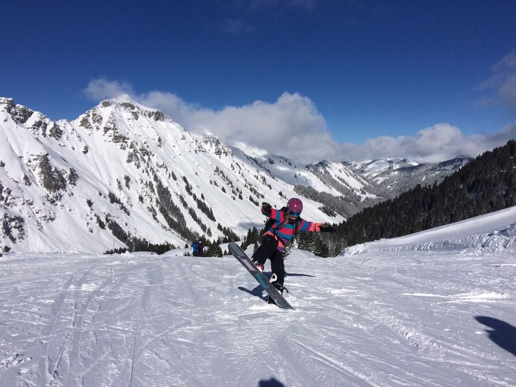 Hannah Poole snowboarding