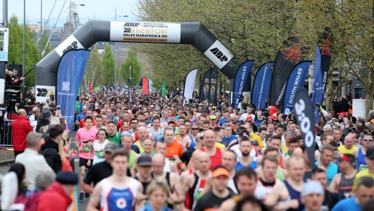 29.04.18 – ABP Newport Marathon – Marathon Start.