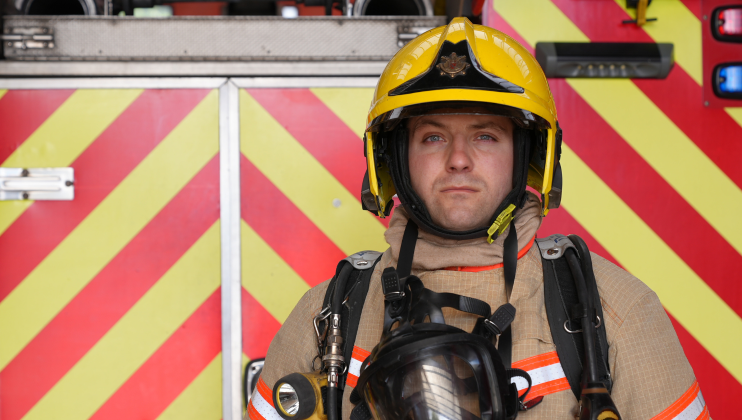 Firefighter attempts World Record in BA kit for Charity